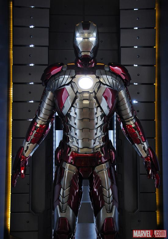 The Mark V armor at the Marvel Booth at San Diego Comic-Con 2012