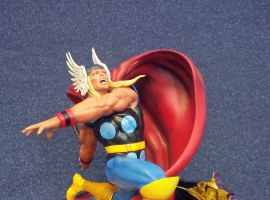Marvel Premier Collection Thor Resin Statue