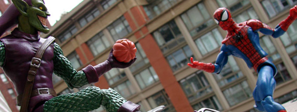 Marvel Select Green Goblin Takes on Spider-Man