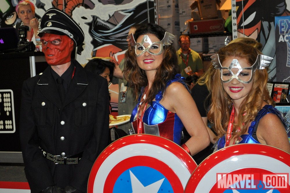 San Diego Comic-Con 2011: Costumers at the Marvel Booth