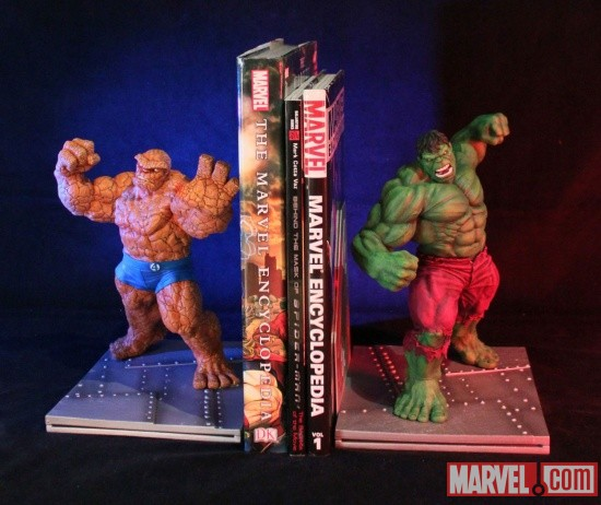 Hulk and the Thing bookends by Gentle Giant Ltd