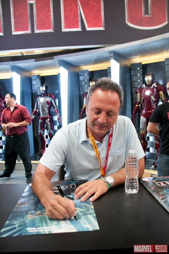 SDCC 2012: Louis D'Esposito signs at the Marvel Booth