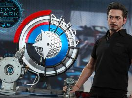 Iron Man 2: 1/6th scale Tony Stark with Arc Reactor Creation Accessories Collectible Set from Hot Toys
