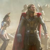 Thor & Malekith Enter the Dark World in 5 New Images