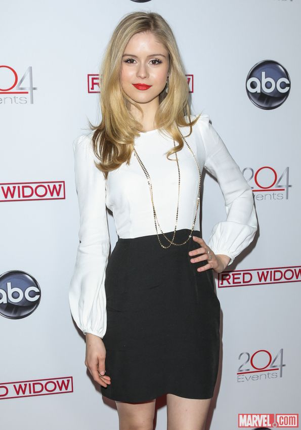 erin moriarty hot