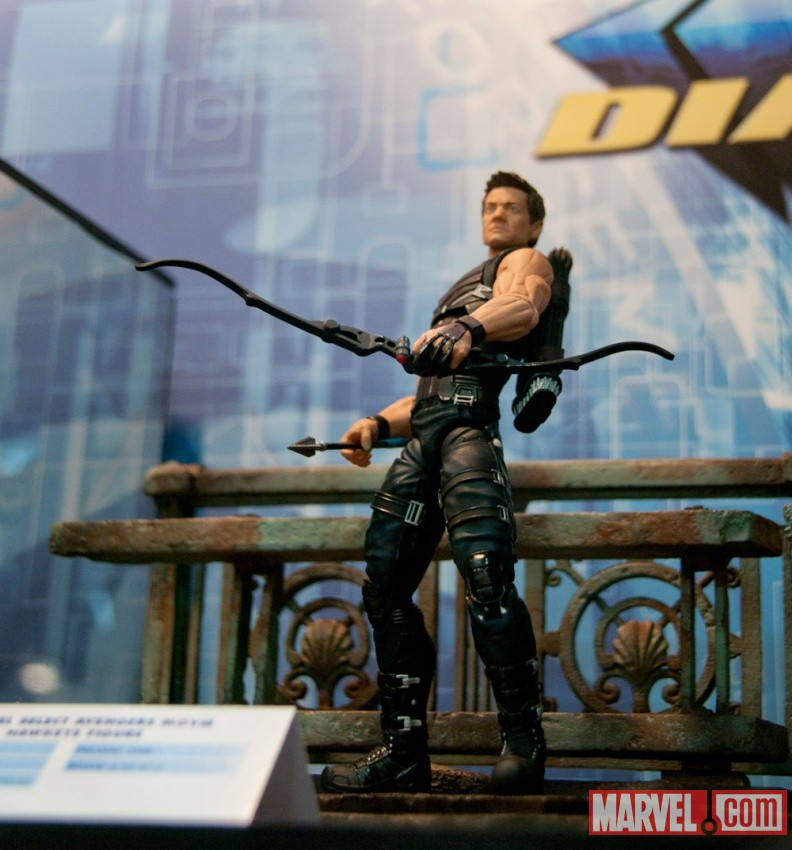 Diamond Select Toys Marvel Select Hawkeye