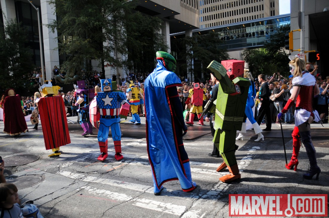 Dragon*Con 2010: Super Heroes in the Parade