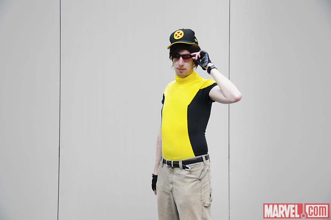 C2E2 2012: Cyclops Cosplayer