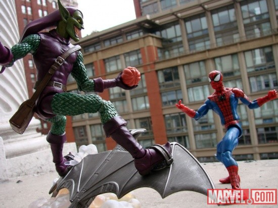 Marvel Select Green Goblin Takes on Spider-Man!
