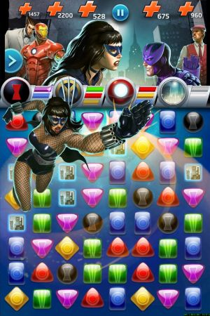 Black Widow in action in a screenshot from Marvel Puzzle Quest: Dark Reign on mobile apps