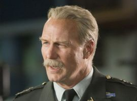 William Hurt striking a pose as General Thunderbolt Ross